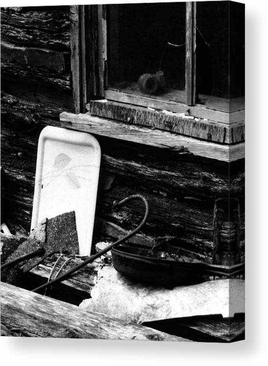 Canvas Print featuring the photograph Cabin-window by Curtis J Neeley Jr