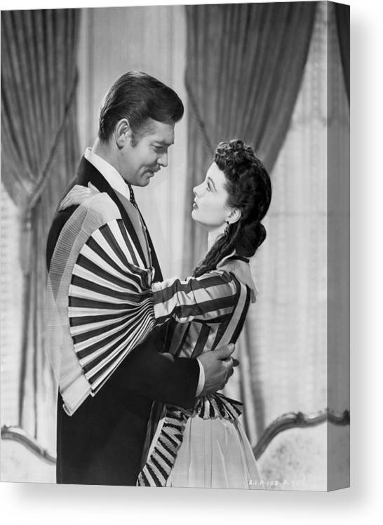 1930s Canvas Print featuring the photograph Clark Gable And Vivien Leigh by Underwood Archives