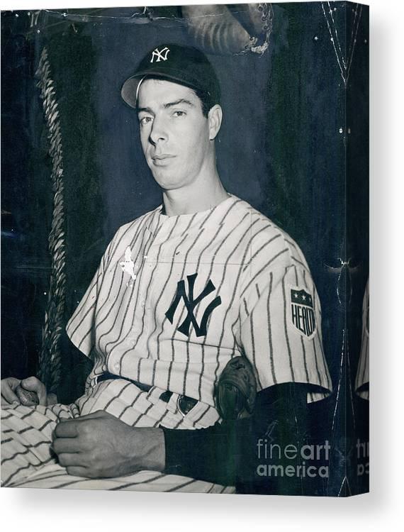 Three Quarter Length Canvas Print featuring the photograph Joe Dimaggio by Sports Studio Photos