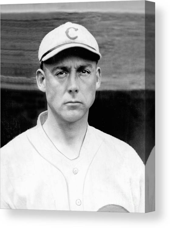 People Canvas Print featuring the photograph Cincinnati Reds by National Baseball Hall Of Fame Library
