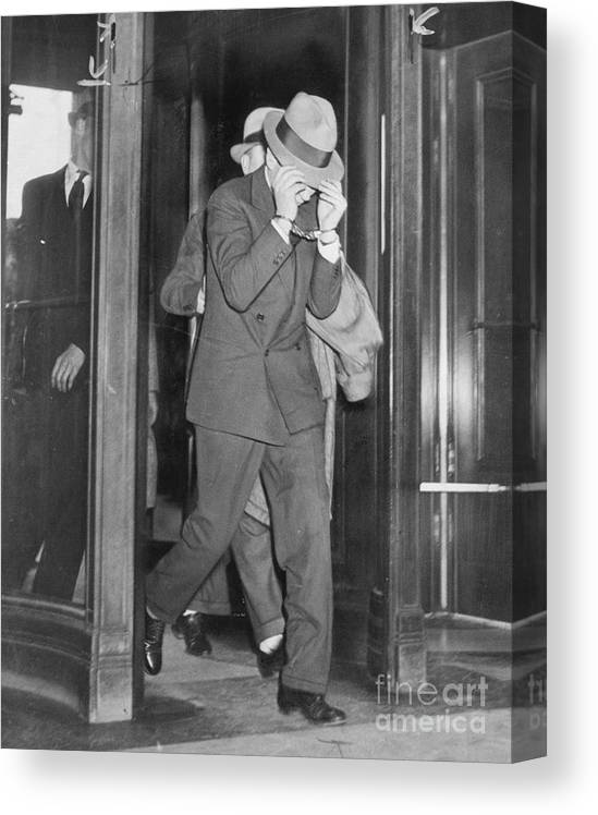 People Canvas Print featuring the photograph Lucky Luciano Entering Courthouse by Bettmann