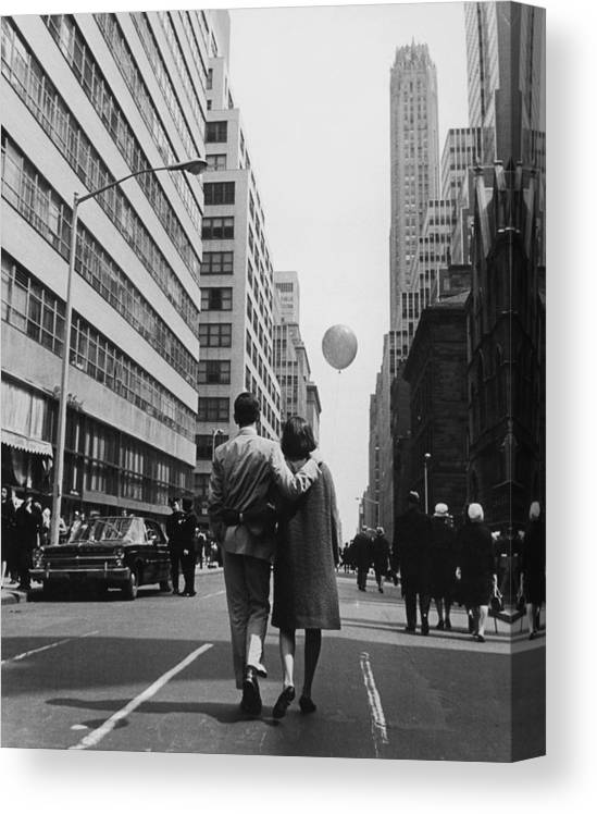 Young Men Canvas Print featuring the photograph Manhattan Street Scene by Fpg