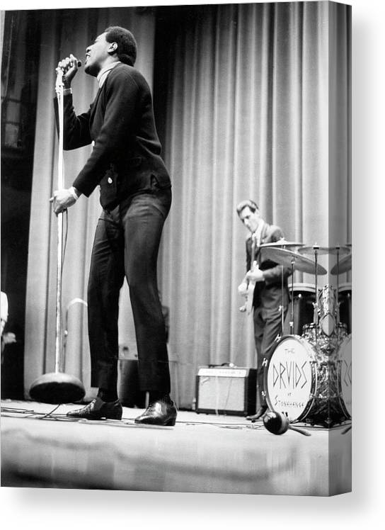 Music Canvas Print featuring the photograph Otis Redding At Hunter College by Michael Ochs Archives