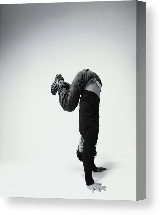 Youth Culture Canvas Print featuring the photograph Young Man Breakdancing B&w by Karen Moskowitz