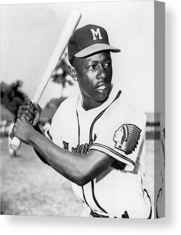 1950-1959 Canvas Print featuring the photograph Hank Aaron by National Baseball Hall Of Fame Library