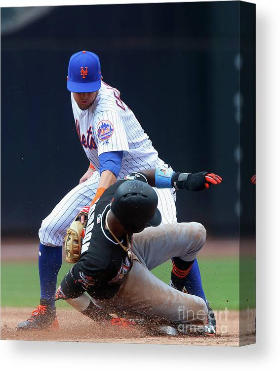 People Canvas Print featuring the photograph Dee Gordon by Jim Mcisaac