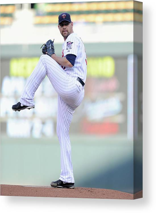 Game Two Canvas Print featuring the photograph Mike Pelfrey by Hannah Foslien