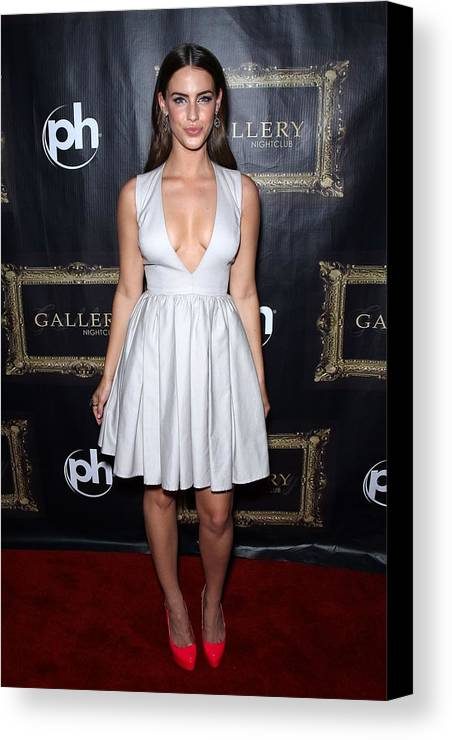 Jessica Lowndes Canvas Print featuring the photograph Jessica Lowndes At Arrivals For Jessica by Everett