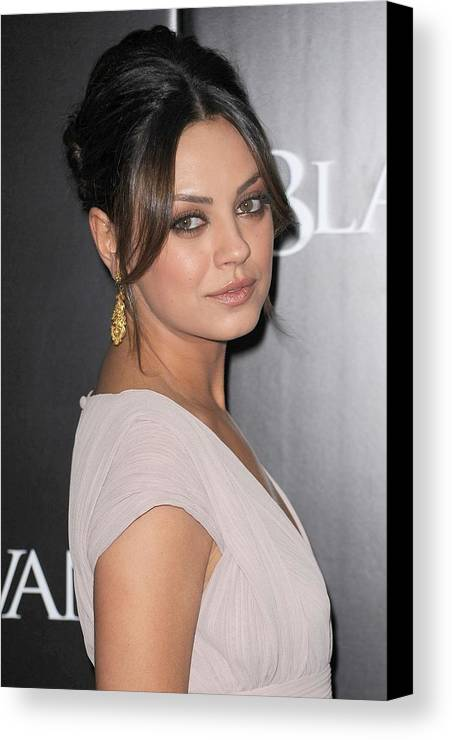 Mila Kunis Canvas Print featuring the photograph Mila Kunis At Arrivals For Black Swan by Everett