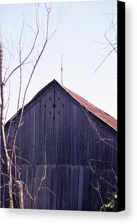 Canvas Print featuring the photograph Lloyd Shanks Barn1 by Curtis J Neeley Jr