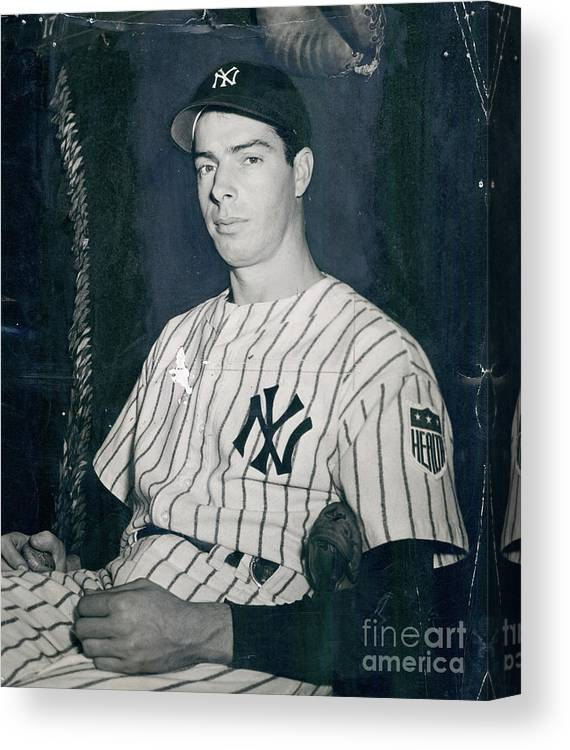 Three Quarter Length Canvas Print featuring the photograph Joe Dimaggio 2 by Sports Studio Photos