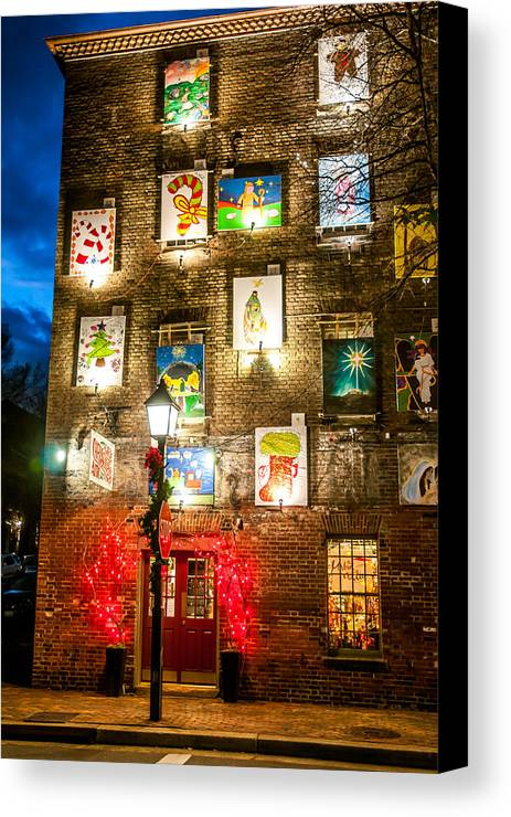 Wreath Canvas Print featuring the photograph Christmas Art Building by William Krumpelman