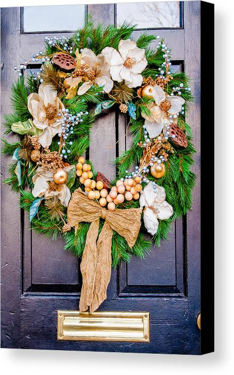 Wreath Canvas Print featuring the photograph Wreath 24 by William Krumpelman