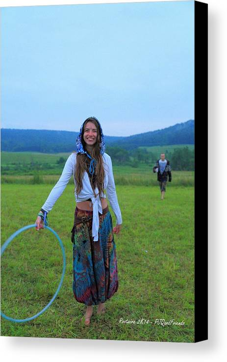 Hooping Rw2k14 Canvas Print featuring the photograph Hooping Rw2k14 by PJQandFriends Photography