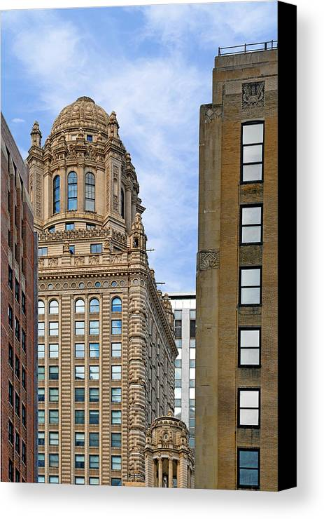Jewelers Canvas Print featuring the photograph 35 East Wacker - Jewelers' Building Chicago by Christine Till