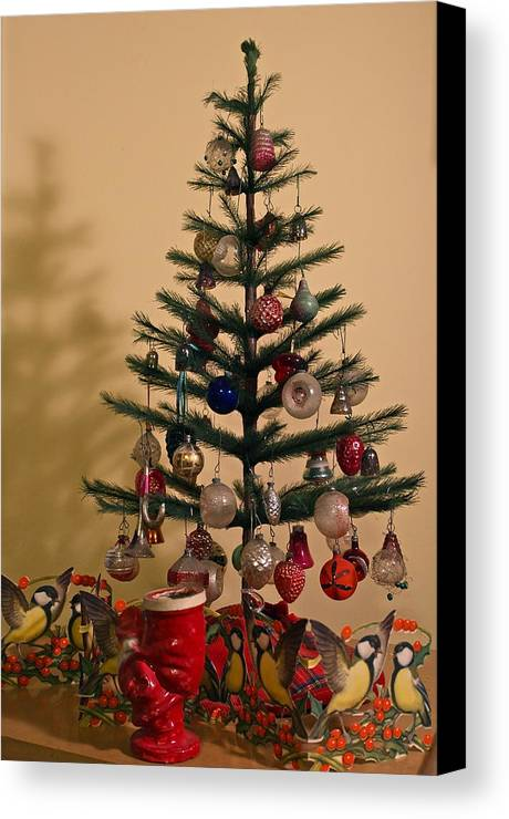 christmas canvas print featuring the photograph an old fashioned christmas tree by michele myers