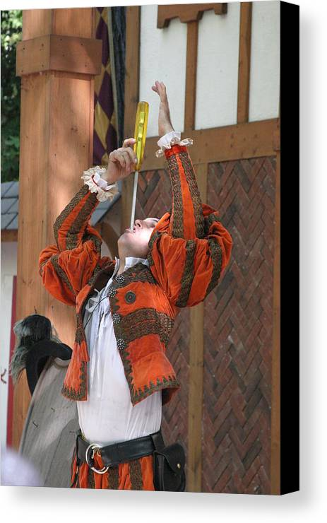Maryland Canvas Print featuring the photograph Maryland Renaissance Festival - Johnny Fox Sword Swallower - 121244 by DC Photographer