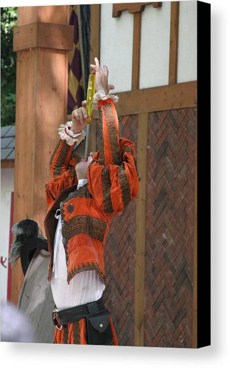 Maryland Canvas Print featuring the photograph Maryland Renaissance Festival - Johnny Fox Sword Swallower - 121245 by DC Photographer