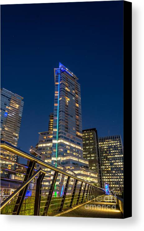 Vancouver Canvas Print featuring the photograph Modern Lines - By Sabine Edrissi by Sabine Edrissi