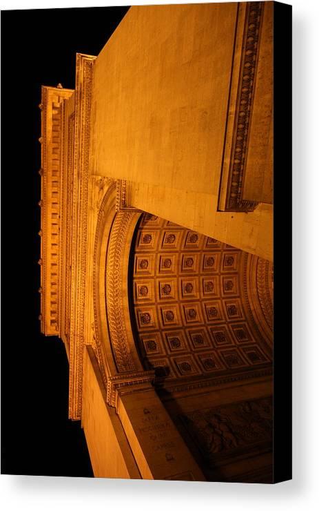 Paris Canvas Print featuring the photograph Paris France - Arc De Triomphe - 01132 by DC Photographer