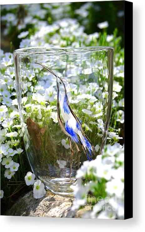 Owl Canvas Print featuring the glass art Vinsanchi Glass Art-3 by Vin Kitayama