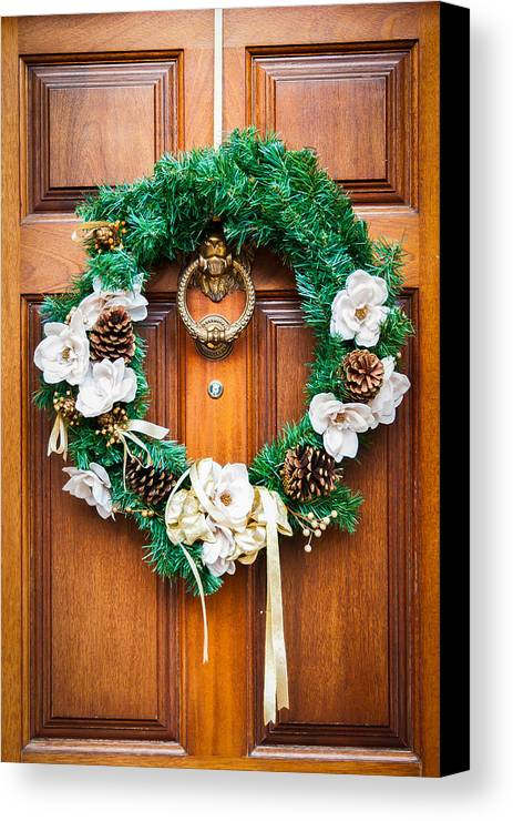 Wreath Canvas Print featuring the photograph Wreath 27 by William Krumpelman
