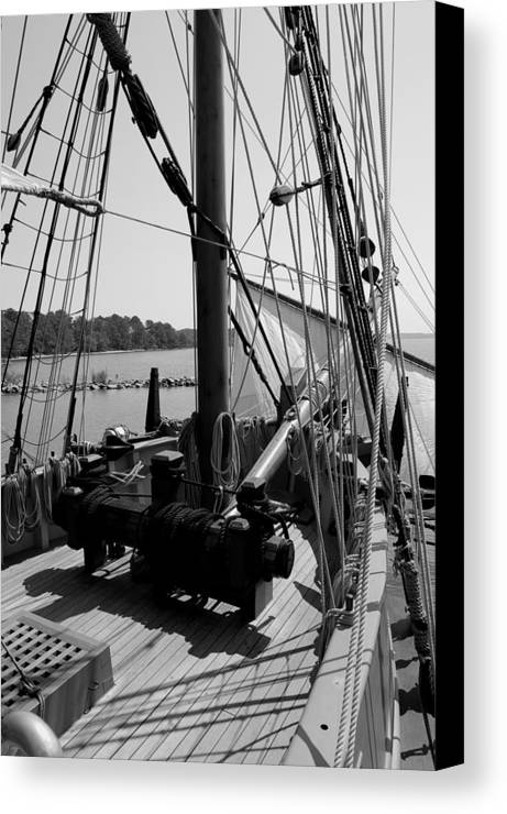 Jamestown Canvas Print featuring the photograph Boat 2 by Jim Johnson