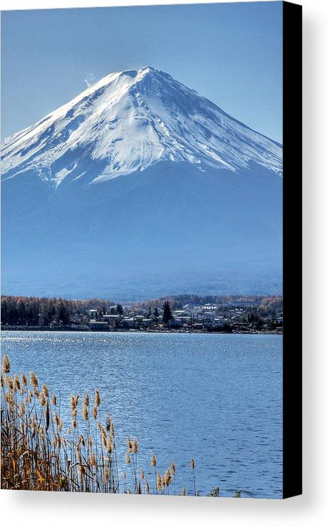 Mountain Canvas Print featuring the photograph Magnificent Mt Fuji by Kean Poh Chua