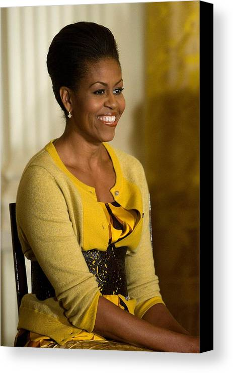 Michelle Obama Canvas Print featuring the photograph Michelle Obama Wearing A J. Crew by Everett