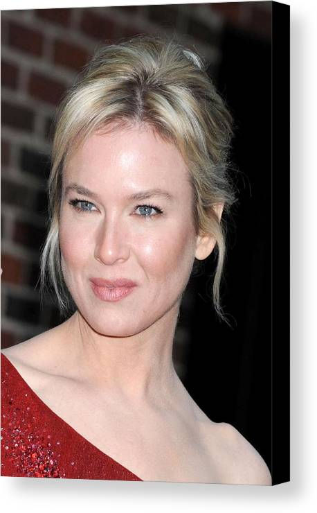 The Late Show With David Letterman Canvas Print featuring the photograph Renee Zellweger At Talk Show Appearance by Everett