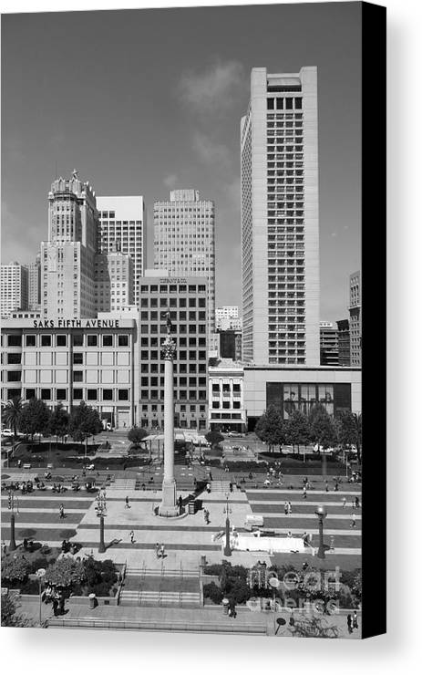 Black And White Canvas Print featuring the photograph San Francisco - Union Square - 5d17941 - Black And White by Wingsdomain Art and Photography