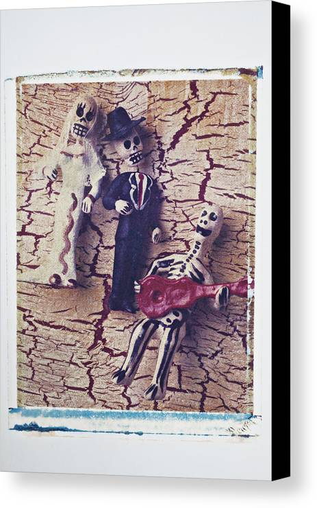 Skeleton Canvas Print featuring the photograph Skeleton Bride And Groom by Garry Gay