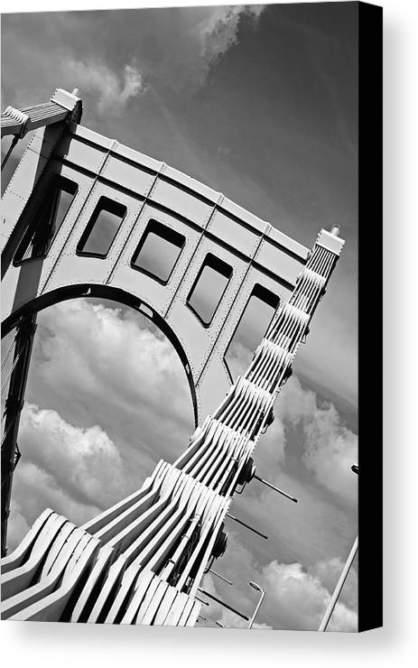 Pittsburgh Canvas Print featuring the photograph Bridge Top Pittsburgh Pa by Kristen Vota