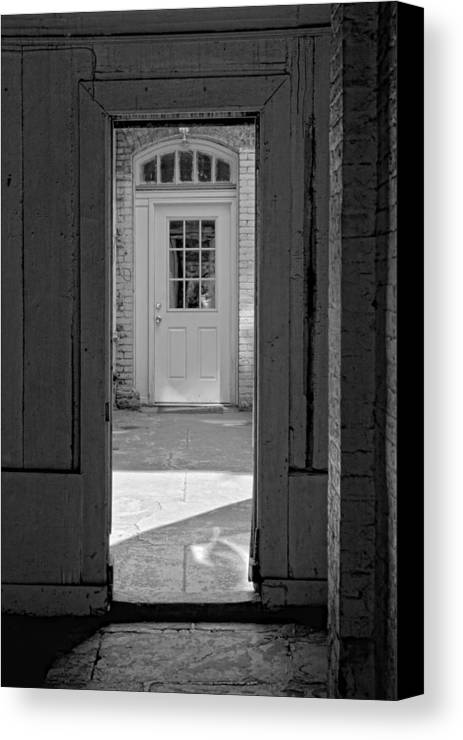 Courtyard Canvas Print featuring the photograph Courtyard Nyc by Robert Ullmann