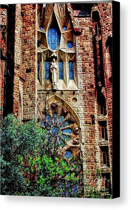 La Sagrada Famila Canvas Print featuring the photograph Gaudi Barcelona by Tom Prendergast