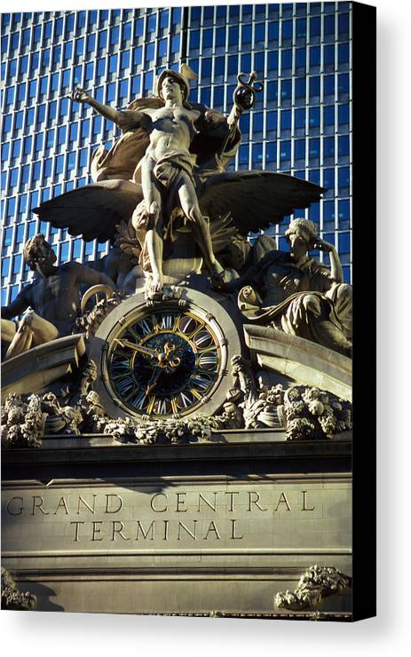 Train Canvas Print featuring the photograph Grand Central Station by Carl Purcell
