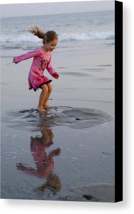 Happy Contest Canvas Print featuring the photograph Happy Contest 11 by Jill Reger