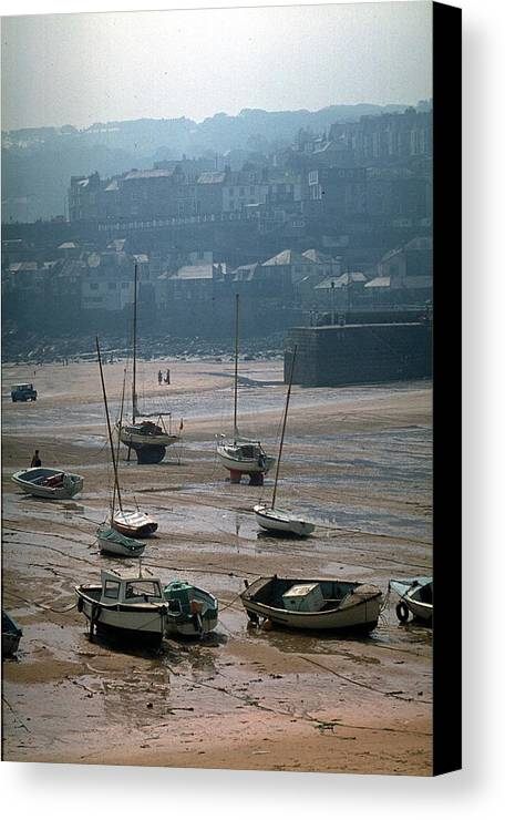 Great Britain Canvas Print featuring the photograph Harbor IIi by Flavia Westerwelle