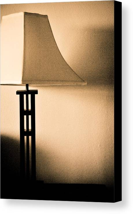 Lamp Canvas Print featuring the photograph Lamp by Roberto Bravo