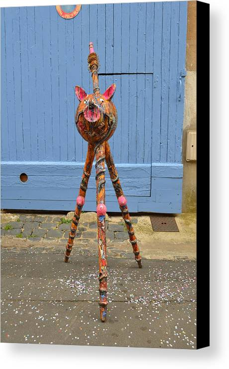Ats Singuliers Sculpture Canvas Print featuring the sculpture le reve du Chat'man by Kitoo Wikitoo Calaudi