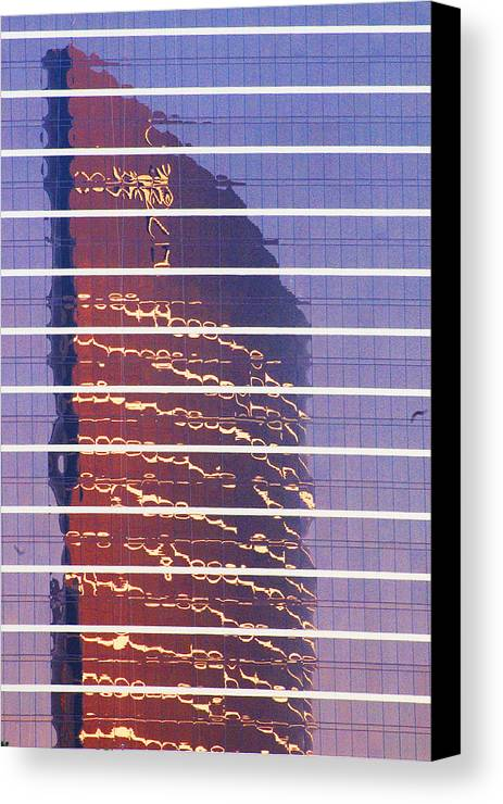 Cityscape Canvas Print featuring the photograph Modern Reflections In Sin City by Richard Henne
