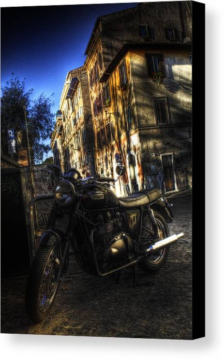 Rome Canvas Print featuring the photograph Moto 2 by Brian Thomson