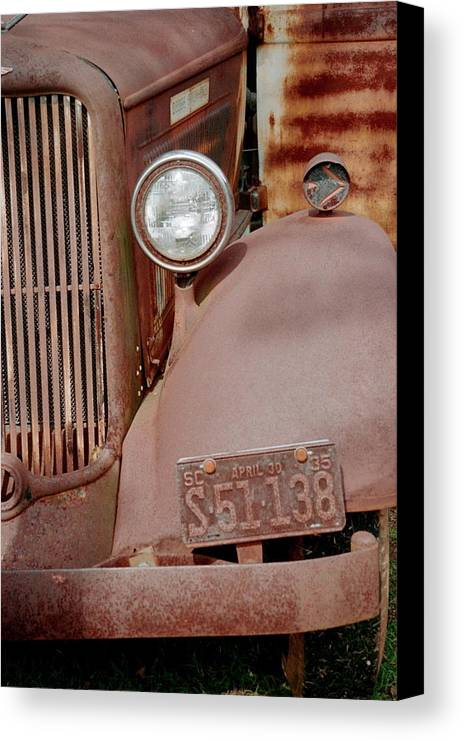 Car Canvas Print featuring the photograph Rusty by Flavia Westerwelle