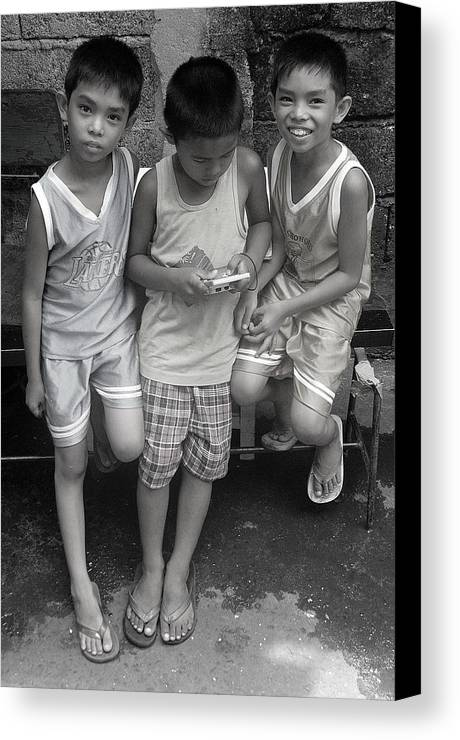 Photographer Canvas Print featuring the photograph Shared Game by Jez C Self
