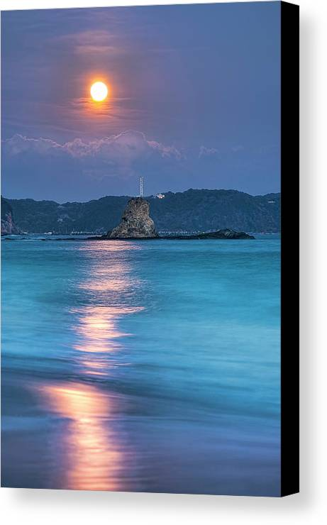 Vertical Canvas Print featuring the photograph Sparkle Of Orange (full Moon) by Tommy Tsutsui