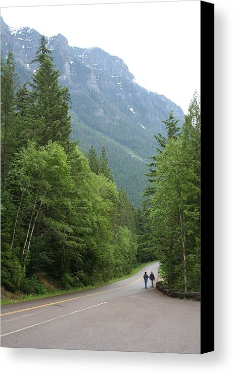 Couple Canvas Print featuring the photograph The Walk by Rob Hoffman