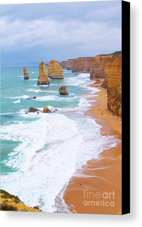 Twelve Apostles Canvas Print featuring the photograph Twelve Apostles by Fir Mamat