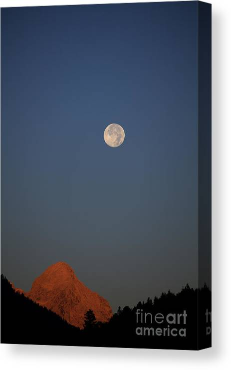 Alpspitze Canvas Print featuring the photograph Alpspitze In The Morning by Fabian Roessler