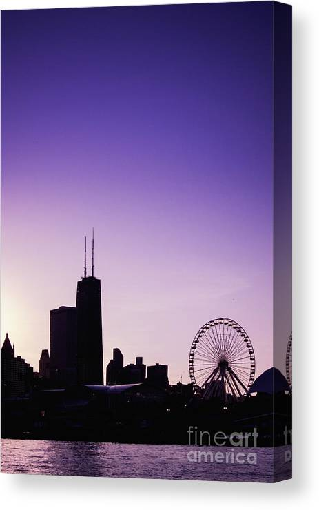 America Canvas Print featuring the photograph Chicago Skyline Iv by Margie Hurwich