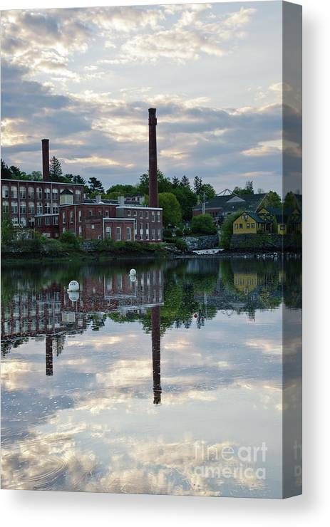 Landscape Canvas Print featuring the photograph Exeter New Hampshire Usa by Erin Paul Donovan